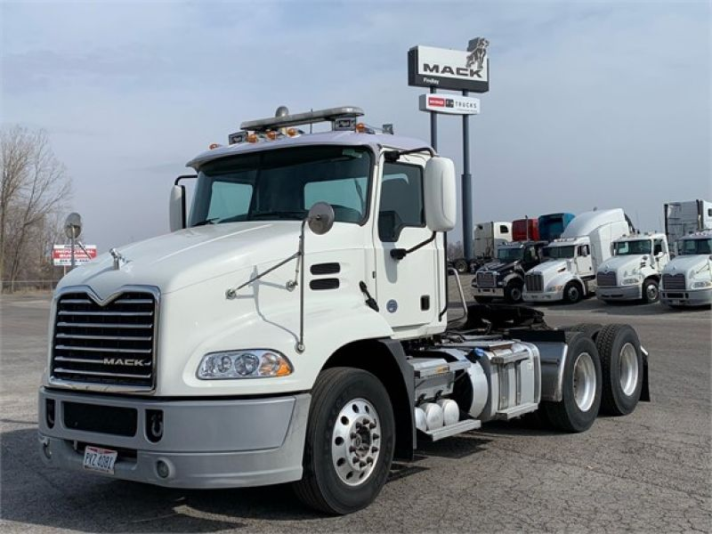 2015 MACK PINNACLE CXU613 6261543859
